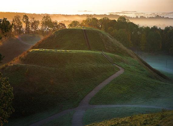 Jono Danausko nuotr./Medvėgalio piliakalnis – aukščiausia Žemaitijos kalva