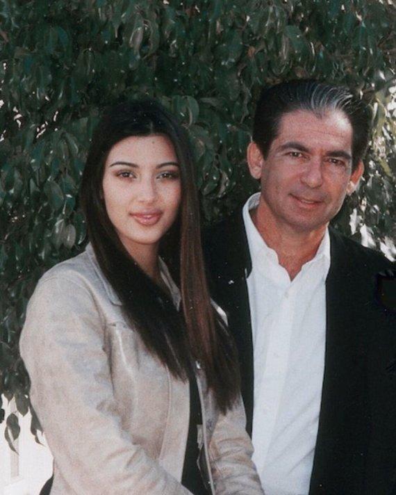 Vida Press nuotr./Kim Kardashian su tėvu Robertu Kardashianu