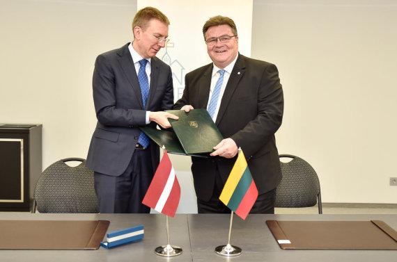Užsienio reikalų ministerijos nuotr./Edgaras Rinkevičius ir Linas Linkevičius