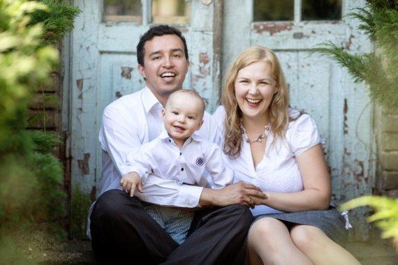 Asmeninio archyvo nuotr./Psichologė ir lektorė Loreta Vaičaitytė su šeima