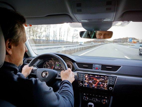 """V.Miliaus nuotr./""""Škoda Superb"""" kelionė iš Ženevos į Vilnių"""