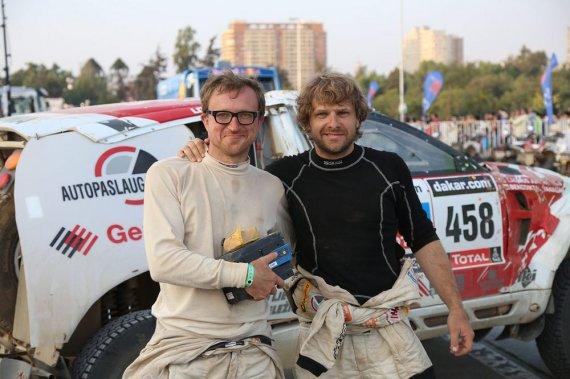 Tomo Tumalovičiaus nuotr./Benediktas Vanagas ir Saulius Jurgelėnas Dakaro ralio finiše