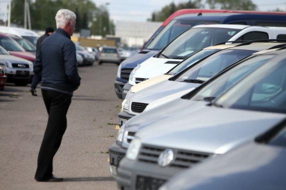 Eriko Ovčarenko/15min.lt nuotr./Automobilių turgus