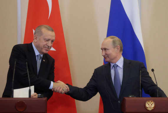 """AFP/""""Scanpix"""" nuotr./Recepas Tayyipas Erdoganas ir Vladimiras Putinas"""