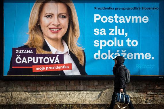 """AFP/""""Scanpix"""" nuotr./Zuzanos Čaputovos rinkiminis plakatas"""