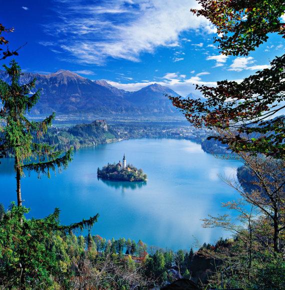 Vida Press nuotr./Bledo ežeras su bažnyčia saloje Slovėnijoje