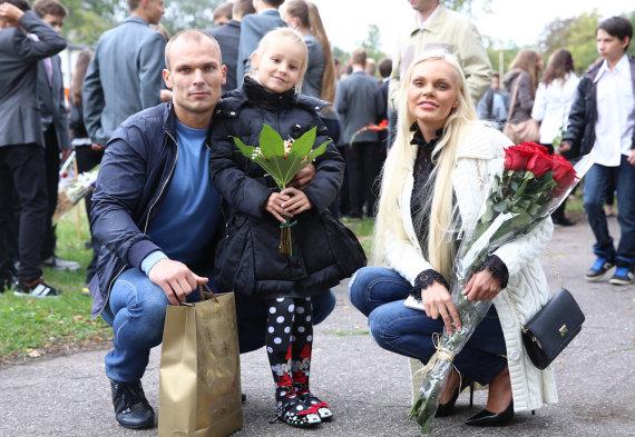 Luko Balandžio/Žmonės.lt nuotr./Vita ir Justas Jakučiai su dukra Nikoleta