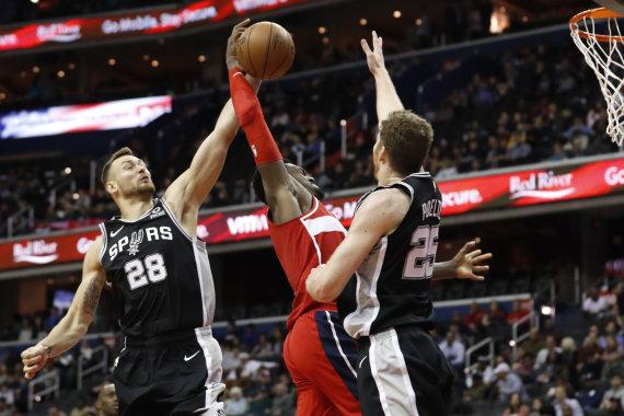 """Scanpix"" nuotr./Pirmosios D.Motiejūno rungtynės ""Spurs"" gretose"