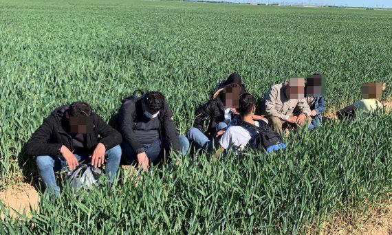 VSAT nuotr./Sulaikyti migrantai