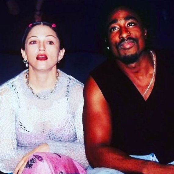 Vida Press nuotr./Reperis Tupacas Shakuras su Madonna