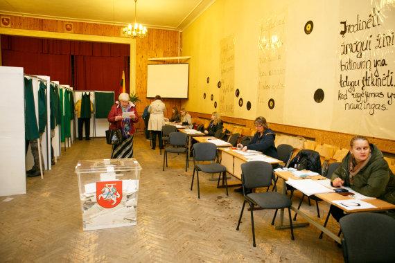 Eriko Ovčarenko / 15min nuotr./Veršvų rinkiminė apylinkė Kaune