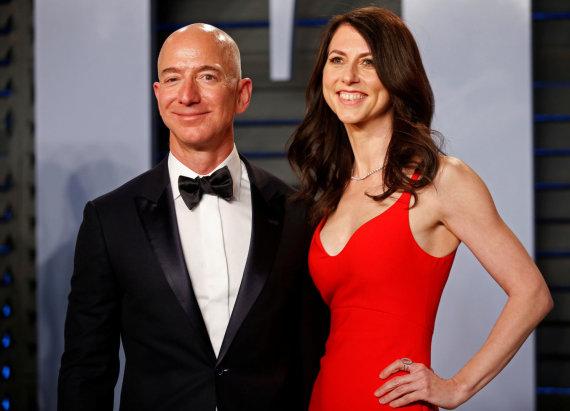 """Reuters""/""Scanpix"" nuotr./Jeffas Bezosas ir MacKenzie Bezos"