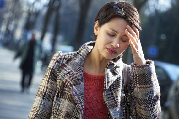 """""""Shutterstock"""" nuotr./Anemija dažnai sukelia galvos svaigimą ar skausmą."""