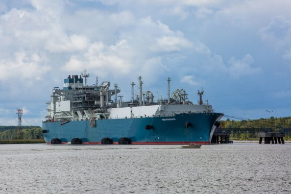 """Vidmanto Balkūno / 15min nuotr./Suskystintų gamtinių dujų laivas-saugykla """"Independence"""""""