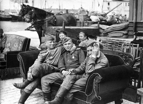 Wikipedia.org nuotr./Sovietų kariai Bornholme