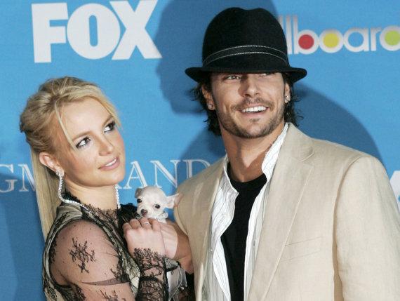 """Reuters""/""Scanpix"" nuotr./Britney Spears ir Kevinas Federline'as 2004 metais"