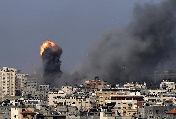 """AFP/""""Scanpix"""" nuotr./Gazos Ruožas po Izraelio smūgių"""