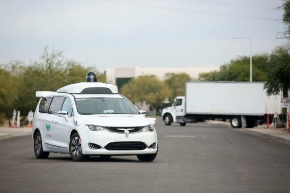 "Reuters/ Scanpix nuotr./""Waymo"" taksi automobilis"