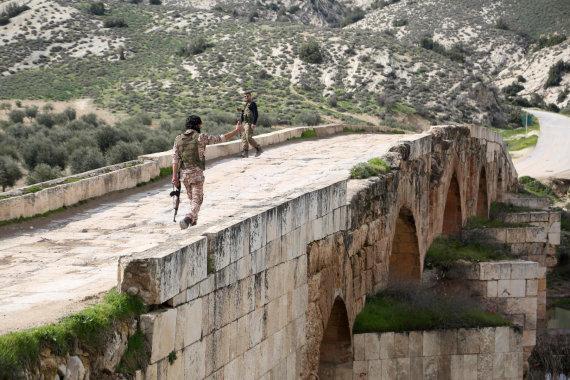 """AFP/""""Scanpix"""" nuotr./Sirijos sukilėlis Afrine"""