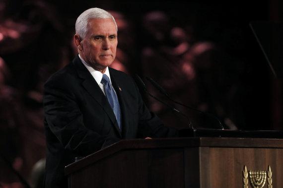 """""""Scanpix""""/""""SIPA"""" nuotr./Mike'as Pence'as Jeruzalėje"""