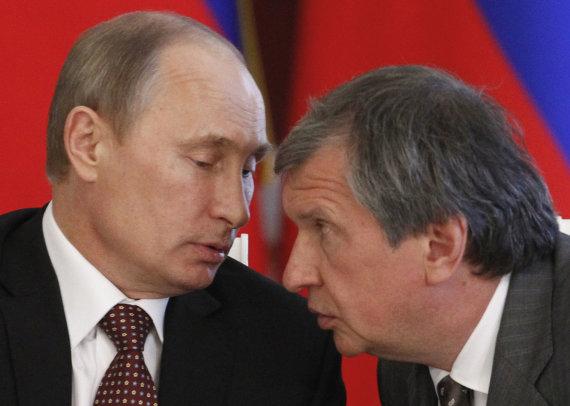 """Reuters""/""Scanpix"" nuotr./Vladimiras Putinas ir Igoris Sečinas"