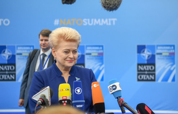 LR Prezidento kanceliarijos/ R.Dačkaus nuotr./Dalia Grybauskaitė dalyvauja NATO viršūnių susitikime Briuselyje