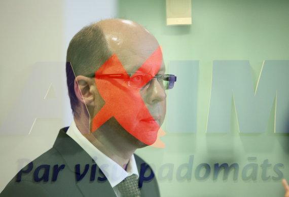 """BFL/Dmitrijs Sulžics nuotr./""""Maxima Latvija"""" vadovo Gintaro Jasinsko spaudos konferencija dėl tragiškai pasibaigusios Rygos parduotuvės """"Maxima"""" griūties."""