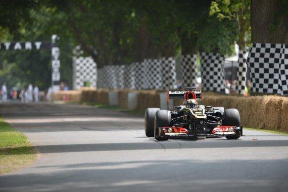 "(Newspress.co.uk nuotr.)/""Lotus-Renault R30"""