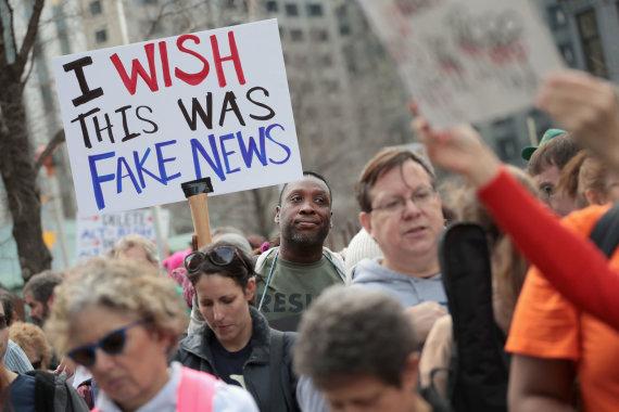 """AFP/""""Scanpix"""" nuotr./D.Trumpas nuolat kalba apie """"melagingas naujienas"""" (""""fake news"""")"""