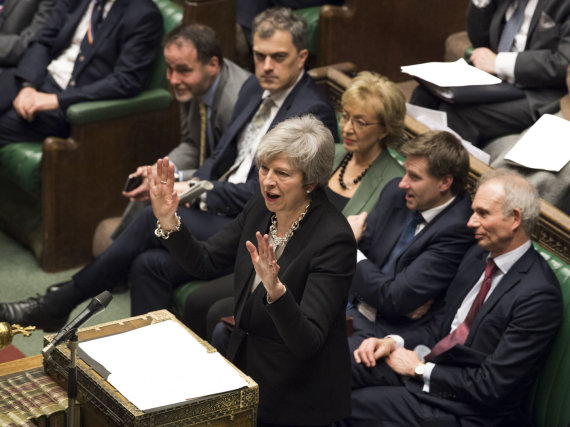 """Scanpix""/""SIPA"" nuotr./Theresa May parlamente"