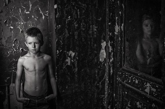 """Rasos Ražanienės nuotr./Fotografija iš serijos """"Senų dvarų vaikai"""""""