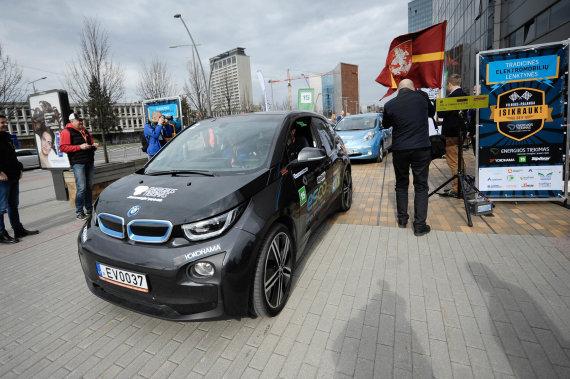 Elektromobilių lenktynių 2017 startas