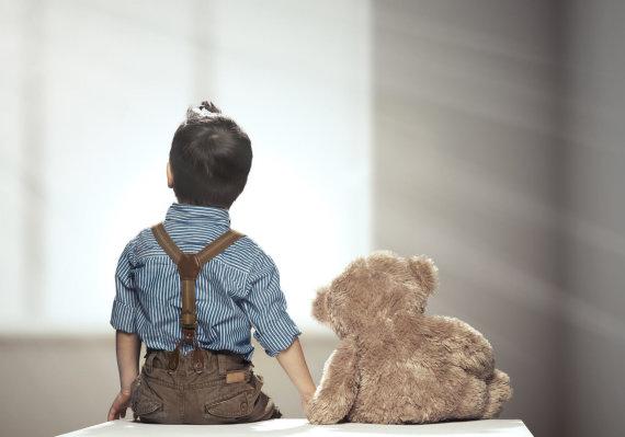 123RF.com nuotr./Vaikas su žaislu