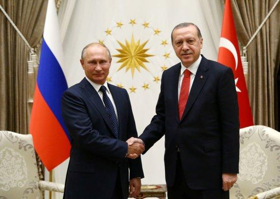 """""""Reuters""""/""""Scanpix"""" nuotr./Vladimiro Putino ir Recepo Tayyipo Erdogano susitikimas"""