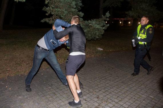 Žygimanto Gedvilos / 15min nuotr./Policijos reidas J.Basanavičiaus gatvėje
