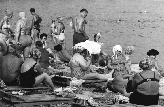 """""""Scanpix"""" nuotr./Paplūdimys Jaltoje, Ukrainoje (1964 m.)"""