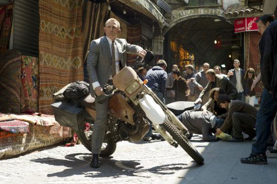 """Kadras iš filmo/Danielis Craigas filme """"Operacija """"Skyfall"""" (2012 m.)"""