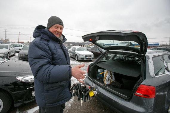 Eriko Ovčarenko/15min.lt nuotr./Kauno automobilių turguje