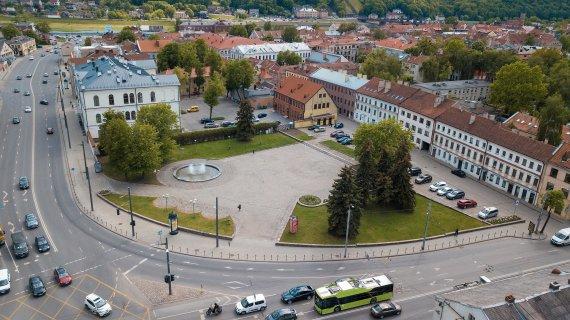 Kauno miesto savivaldybės nuotr./Steigiamojo Seimo aikštė