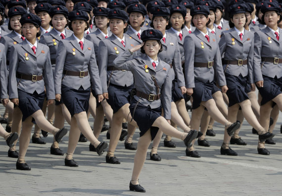 """""""Scanpix""""/AP nuotr./Moterys Šiaurės Korėjos kariuomenėje"""