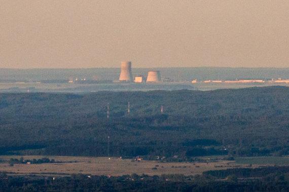 Vidmanto Balkūno / 15min nuotr./Astravo atominė elektrinė matoma iš oro baliono