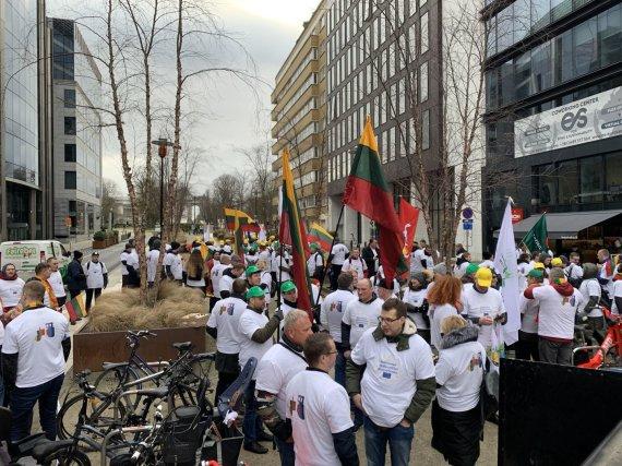 Mindaugo Railos nuotr./Pasiruošimas Lietuvos ūkininkų protesto akcijai Briuselyje