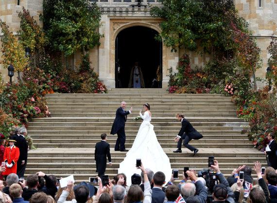 """Reuters""/""Scanpix"" nuotr./Princesė Eugenie su tėvu princu Andrew"