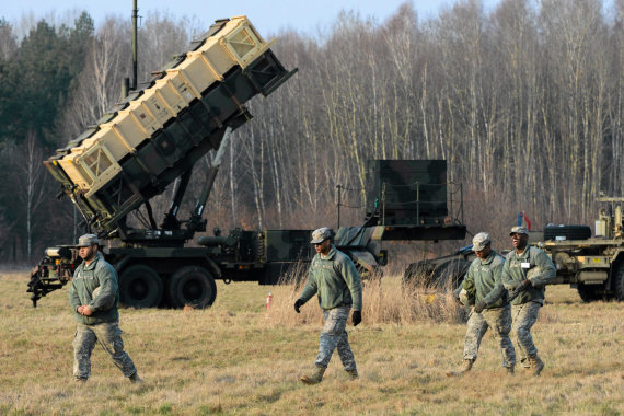 """""""Reuters""""/""""Scanpix"""" nuotr./Ilgojo nuotolio priešlėktuvinės gynybos sistema """"Patriot"""" Lenkijoje"""