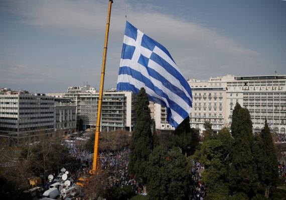 """""""Reuters""""/""""Scanpix"""" nuotr./Graikijos vėliava"""