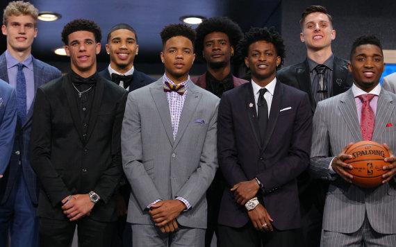 """AFP/""""Scanpix"""" nuotr./2017-ųjų NBA naujokų birža"""