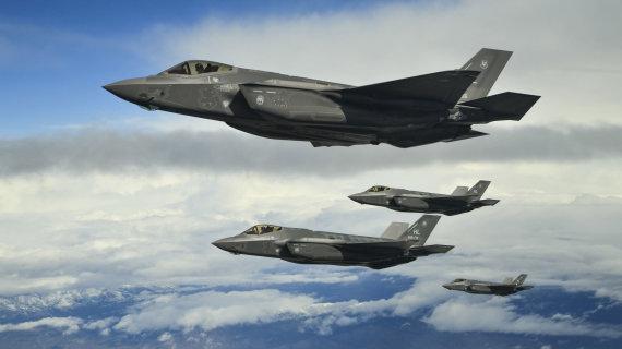 """""""Scanpix""""/""""Sipa USA"""" nuotr./Naikintuvai F-35"""