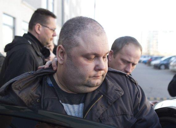 Irmanto Gelūno/15min.lt nuotr./Sausio 13-osios įvykių bylos įtariamasis atvesdintas į teismą.