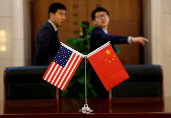 """""""Reuters""""/""""Scanpix"""" nuotr./JAV ir Kinijos vėliavos"""