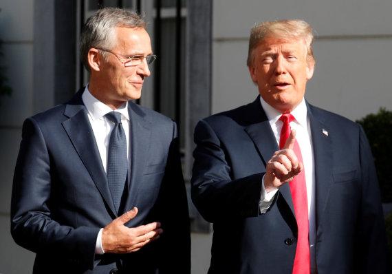 """""""Reuters""""/""""Scanpix"""" nuotr./D.Trumpo ir J.Stoltenbergo susitikimas"""
